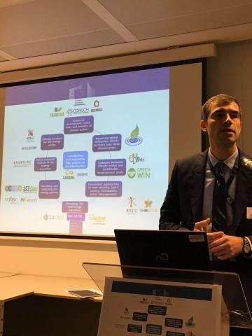 Frederik Accoe from EASME presenting the H2020decarbonisation projects landscape